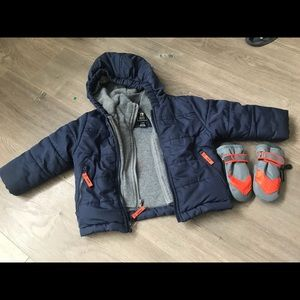 Baby boys coat with winter gloves